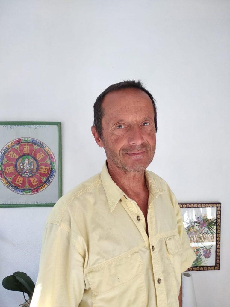 Jean-Michel Tupin Praticien en hypnose Ericksonnienne, énergéticien, géobiologue.
