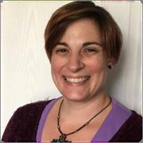 Lara Hauersperger Psycho-énergéticienne, praticienne en Access Bars®, formatrice LaHoChi, coach spirituelle et massages californiens-suédois énergétiques.