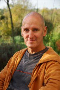 Patrick Demouy Hypnothérapeute, praticien en shiatsu et techniques énergétiques.